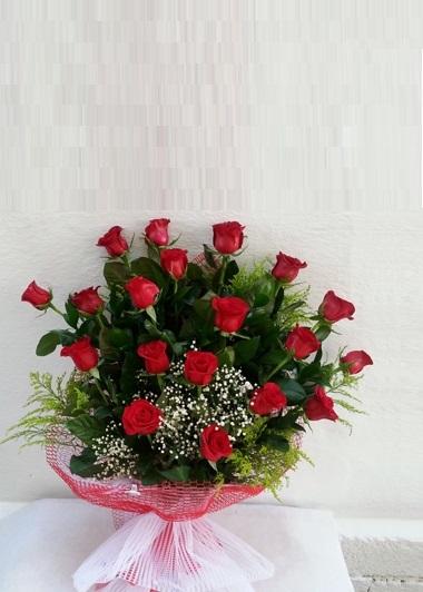19 Kırmızı Gül -4 Gaziantep Çiçek Sepeti Siparişi