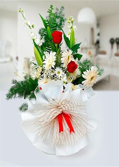 Beyaz Gerbera ve Kırmızı Gül Gaziantep Çiçekciler