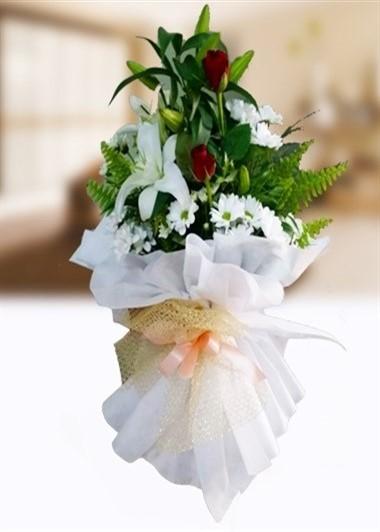 Lilyum ve Gül Gaziantep Çiçek Sepeti Siparişi